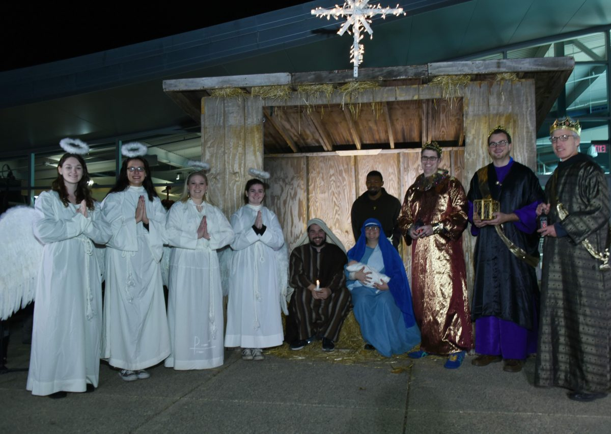 Neumann to Host Live Nativity Celebration on Sunday