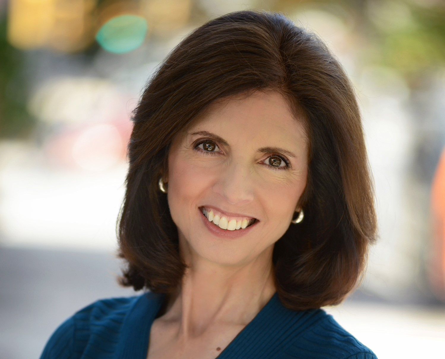 Haverford Resident, Corporate Exec Launches Book to Inspire Girls to Pursue Science Careers