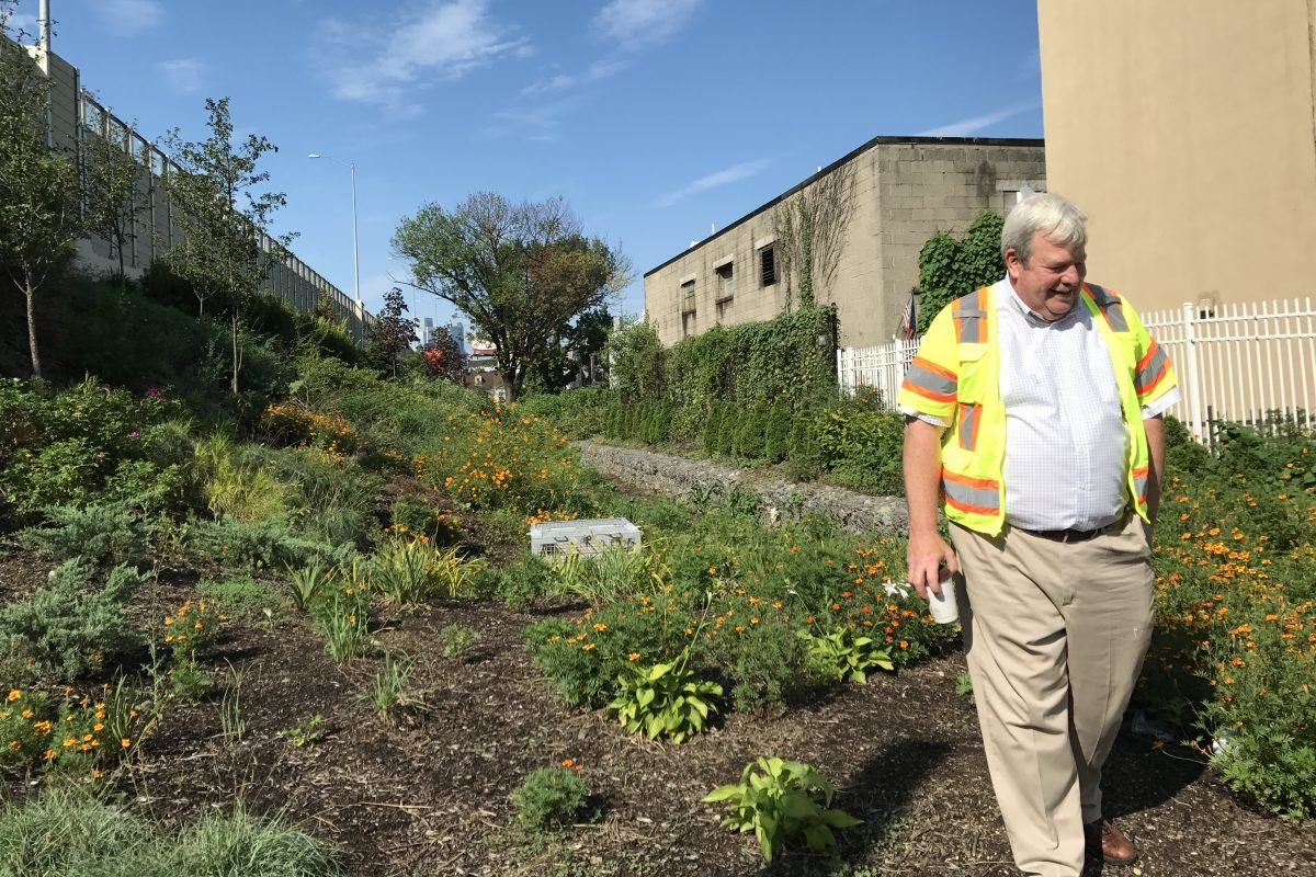Villanova Prof Digs Into I-95 Rain Garden Project