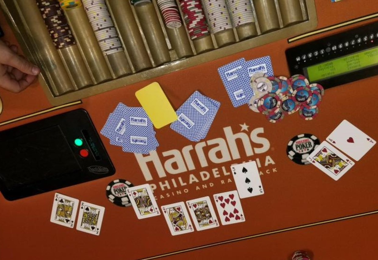Luck Shines Down on 2 Winners in Delaware County as Harrah's and the Lottery Hand Out Big Payouts