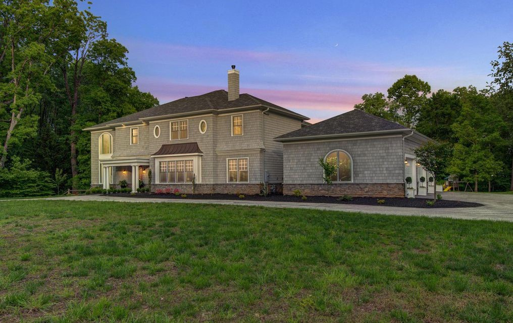 DNB First House of the Week: Luxurious, Nantucket-Inspired Home in Newtown Square