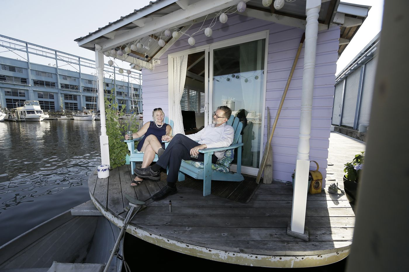 For Sailing Couple, a Houseboat Moored at Penn's Landing Is Home Sweet Home