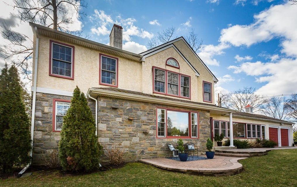 Malvern Bank House of the Week: Colonial with Golf-Course Views in Haverford Township