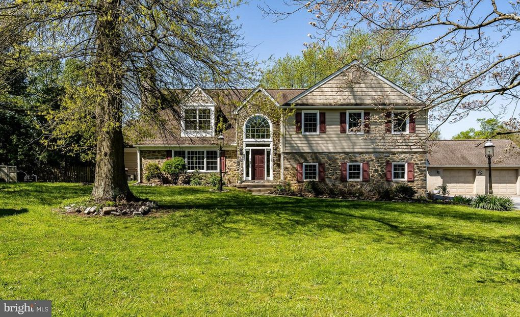 Malvern Bank House of the Week: 5-Bedroom Radnor Hunt Horse Lover's Colonial