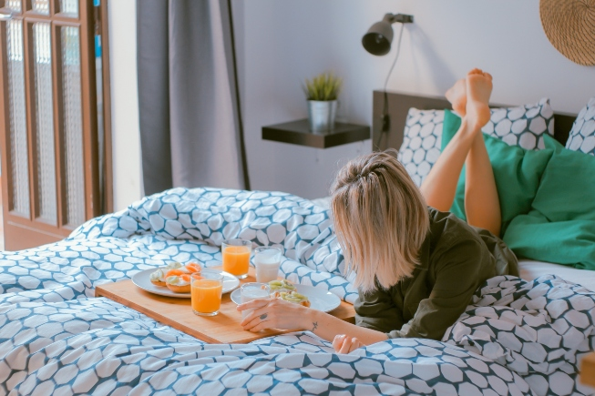7 Safety Tips For Hitting Hotels, Rentals and AirBNB's This Summer