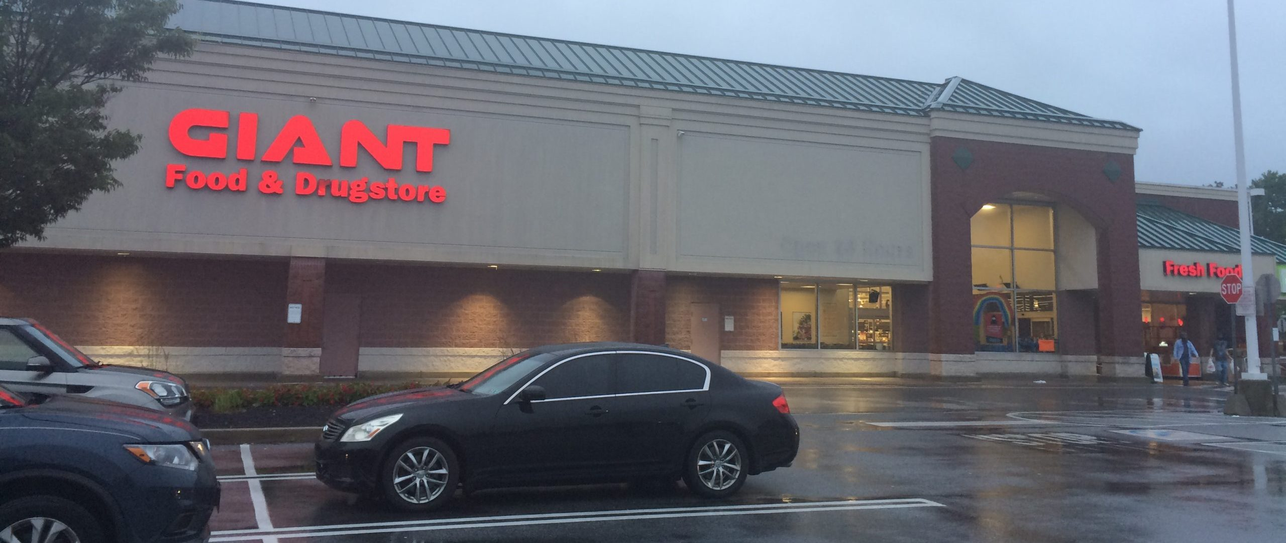 Springfield Giant Store Celebrates 10th Anniversary With Major Renovations
