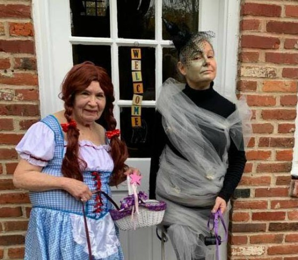 94-Year-Old Media Trick-Or-Treater Gets Into the Spirit of Halloween