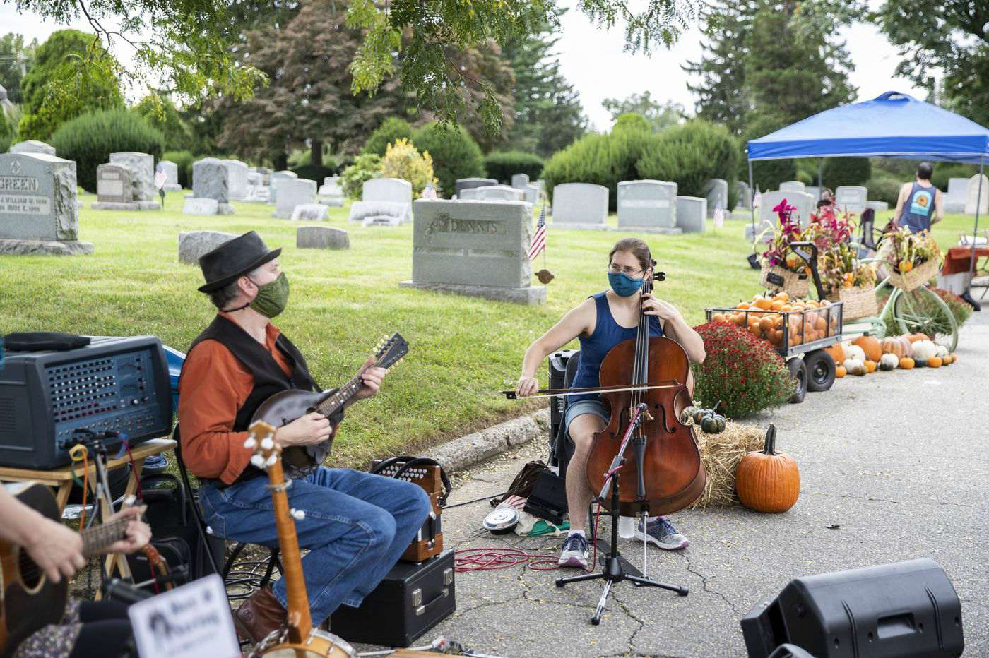 GreenHorn Gardens at Arlington Cemetery Joined by Musicians and Other Vendors at Pop Up Market