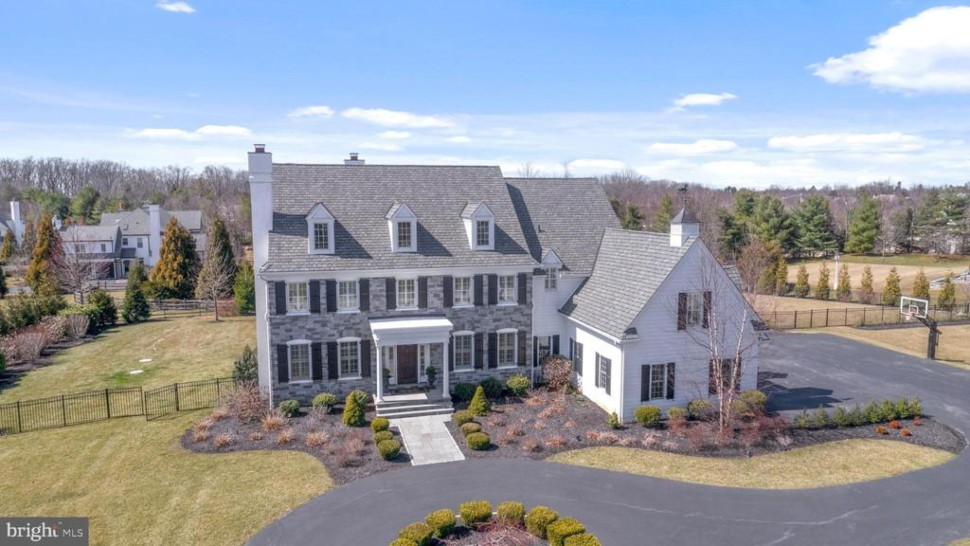 Overhead view of 6 Bridle Ln in Newtown Square